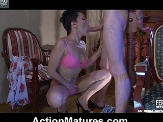 Heated mother i'd like to fuck strips to her pink underware and gets banged by her juvenile paramour