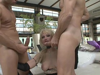 Blond Russian sluts gets double permeated by two large 10-Pounder